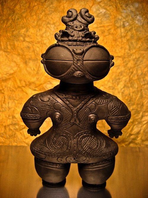 poupée de craie japonaise de l'ère Jomon (145 avant J.C.)