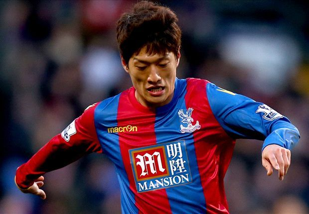 Lee Chung-Yong says #Pardew is losing it. http://www.goal.com/en-gb/news/2896/premier-league/2016/04/29/22917472/lee-chung-yong-hits-out-at-pardew-he-even-forgets-how-many #Palace