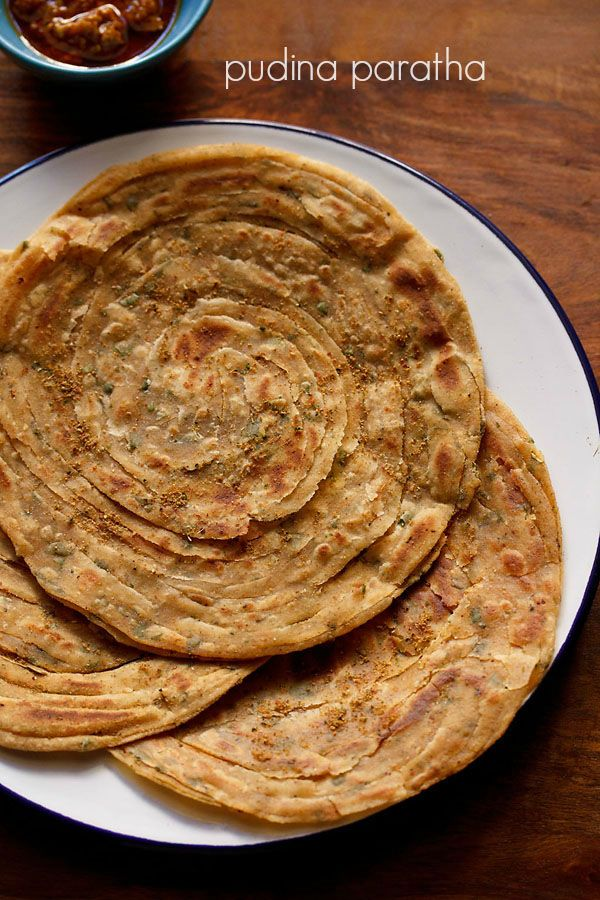 pudina paratha recipe – crispy, flaky, layered, mint flavored whole wheat flat bread #paratha #northindian #mint