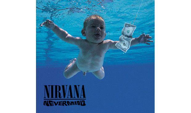 """Platz 17: Nirvana - """"Nevermind"""" Es war die Erfolgsgeschichte der 90er Jahre: Nirvanas zweites Album, angetrieben von der Single """"Smells Like Teen Spirit"""", kroch aus den Kellern von Seattles aufkeimender Grunge-Szene und fegte Michael Jackson mühelos von der Spitze der Charts. Der """"Hair-Metal"""", in den Jahren zuvor das große Kommerz-Thema, wurde gleich mit in den Orkus gestürzt. Kein Album der letzten 20 Jahre hatte eine derartige Wirkung auf eine Generation, was schließlich zur…"""