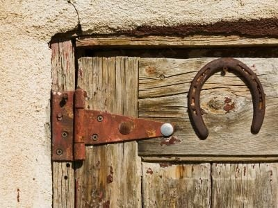 How to Remove Rust From Door HingesForm Rust, Doors Open, Doors Hinges, Cleaning House, Barns Doors, Removal Rust, Country Doors, Wooden Doors, Diy Projects