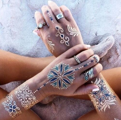 Metalic tattoo.  Tatuaje metálico