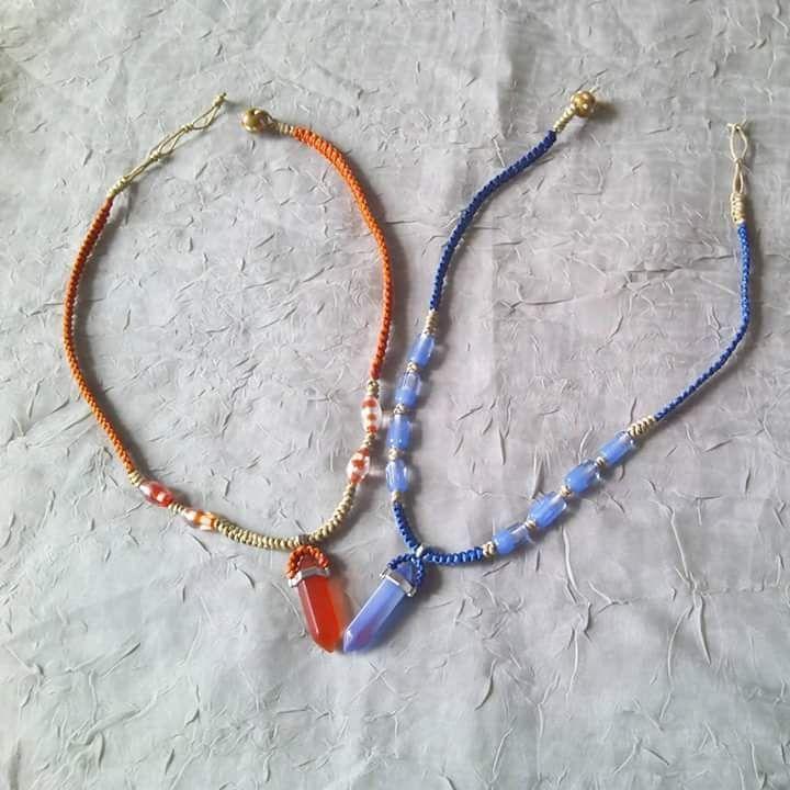 Kırmızı yada mavi. Doğal kotondan kolyeler.#kolye#kırmızı #mavi#cam#boncuk#elyapimi #handmade#necklace#natural #taki#takı#boho#bohemian#bohem#gypsystyle #kedigözü #catseye