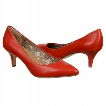 1000  images about SHOES on Pinterest   Pump Clogs shoes and Clogs