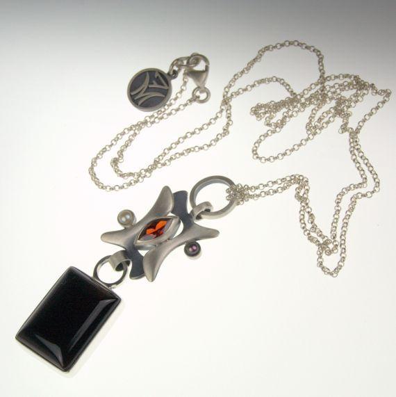 NASZYJNIK Z ONYKSEM / 7malin / Biżuteria / Wisiory