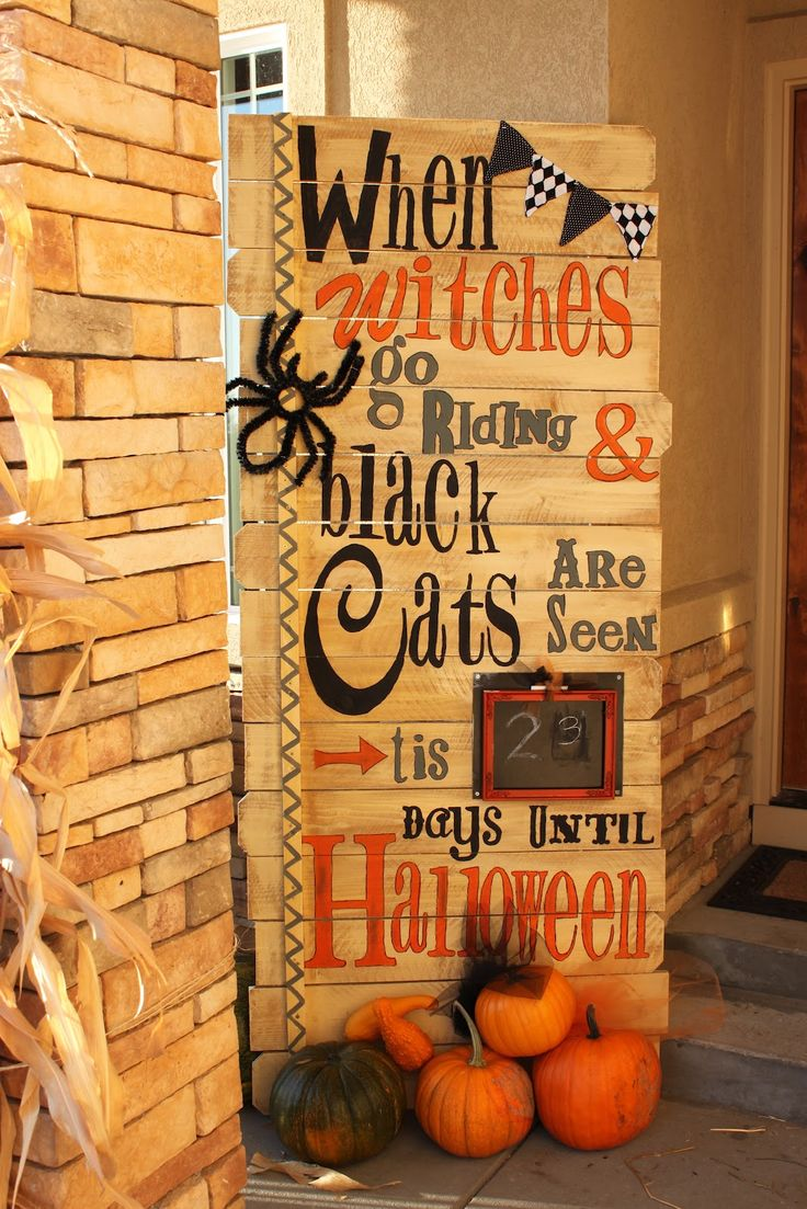 Count down to Halloween *use burlap inside to hang chalkboard then paint the words on outside with tempura paint. Need to use my sister's projector to trace outline of words*