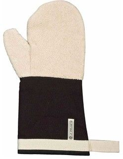 Designed to protect wrists from bakers burn with its long sleeve, this durable mitt reaches to the forearm, and features an embedded magnet for easy storage on