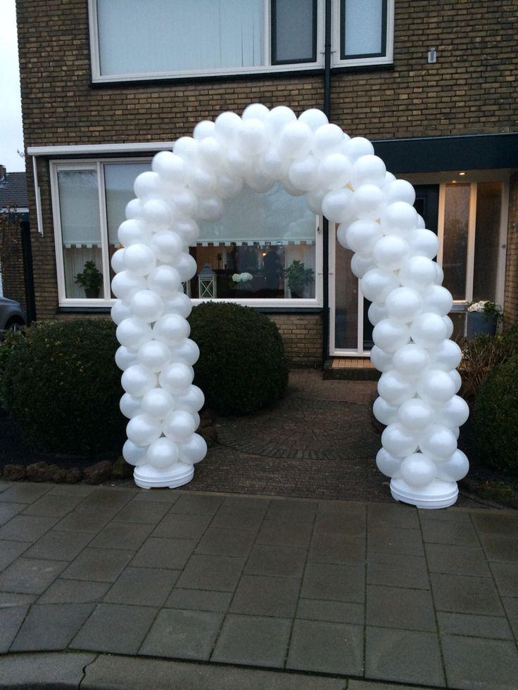 Ballonnen boog enkeldeurs met een beetje wind!