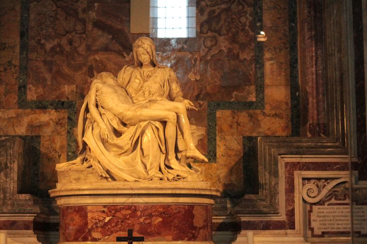La pietà - Michelangelo St.Peter's Basilica  Only 10 minutes walkig from Orsa Maggiore for Women Only  book at: maggioreroma@gmail.com  low cost season!!