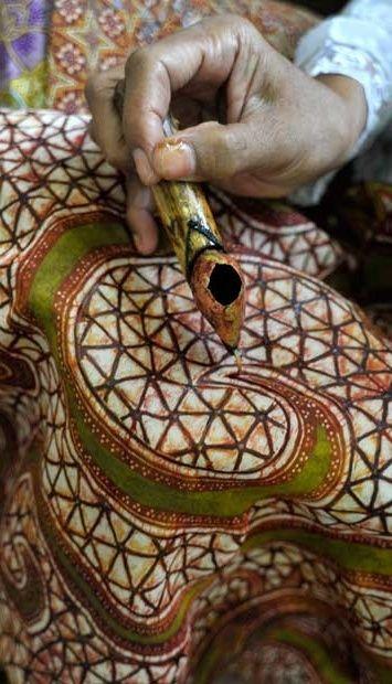 """Traditional Batik Process' """"Membatik"""" #WonderfullIndonesia #BatikIndonesia"""