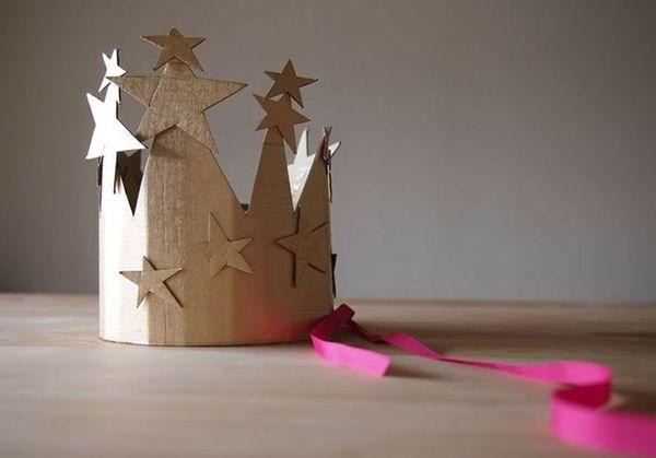 Prepariamo le idee per dei Costumi di Carnevale fai da te in carta e cartone : fatina, principessa, animali e tante maschere.