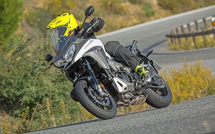 Honda VFR800X teszt - A stresszmentes színtiszta élvezet