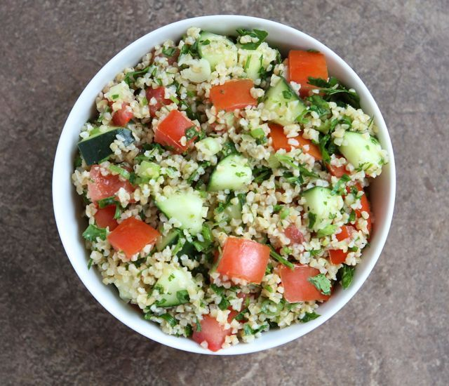 Easy Tabbouleh Salad | Recipe from www.twopeasandtheirpod.com #vegan #salad