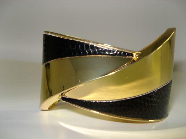 Black & Gold - R170