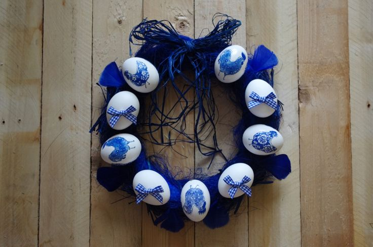 Modrý velikonoční věnec - Jednoduchý velikonoční věnec, tentokrát v modré barvě s modrými mašličkami ( DIY, Hobby, Crafts, Homemade, Handmade, Creative, Ideas)