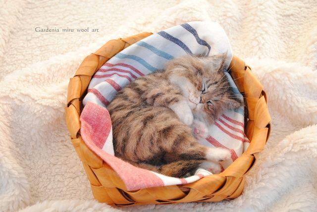 眠り猫 羊毛フェルト  miru