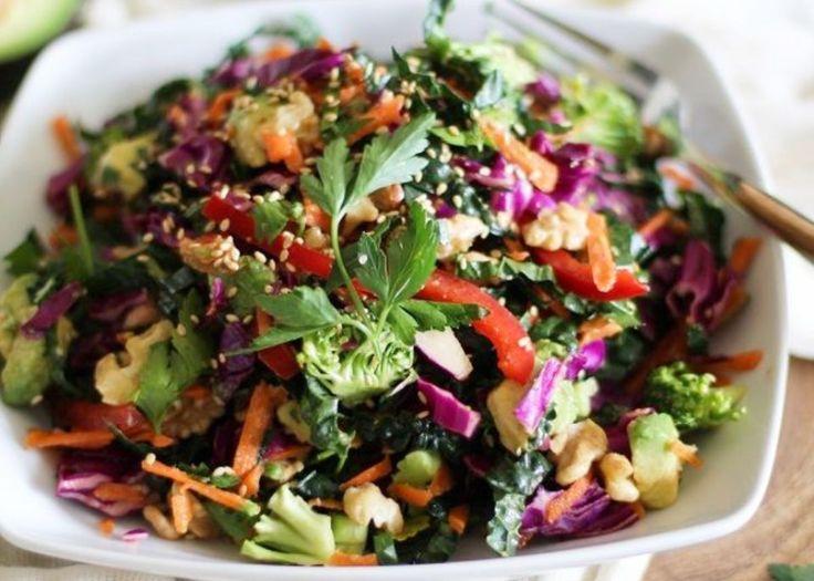Σαλάτα των χρωμάτων Μια χορταστική και δροσερή σαλάτα!