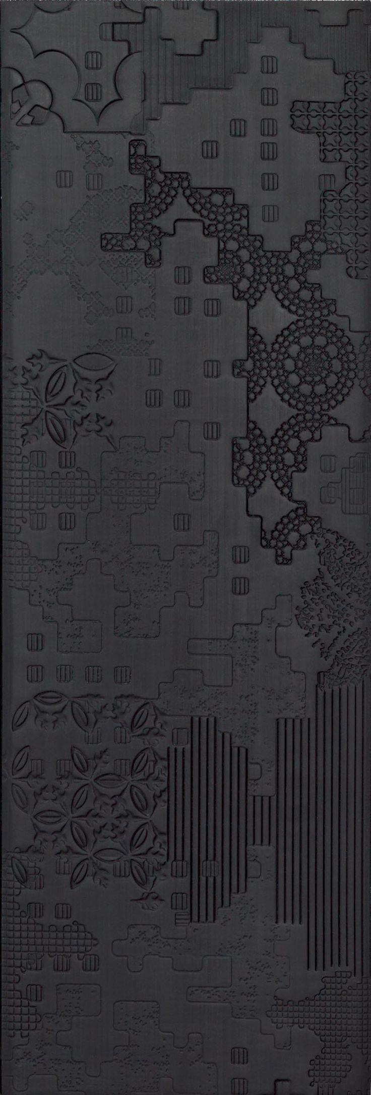 Bas-relief patchwork nero