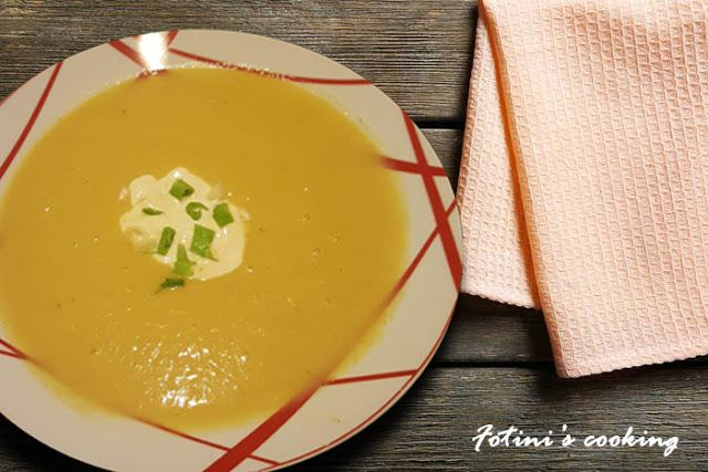 Fotini's cooking: Σούπα με πράσο πατάτα και κρέμα γάλακτος | Vichyss...