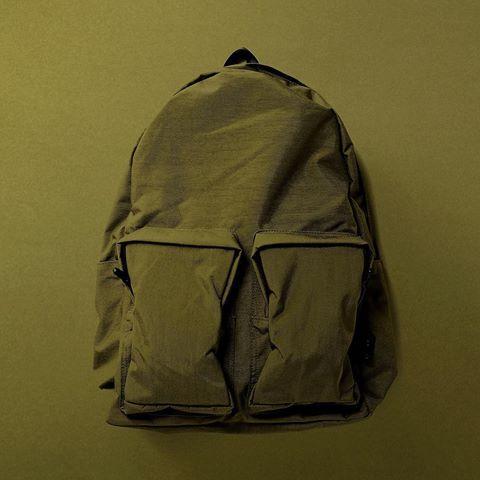OLIVE GREEN  #follow#followme#fashion#leather#amiacalva#osaka#japan#shinzone#backpack #革#アミアカルヴァ#レザー#栃木レザー