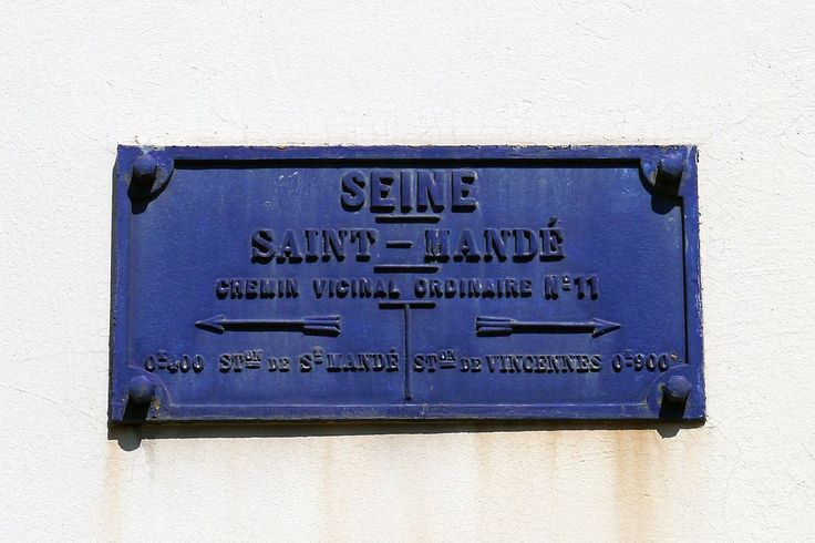 94 Saint-Mandé, Avenue Gambetta - Plaque de Cocher, Northeastern End of Street.JPG