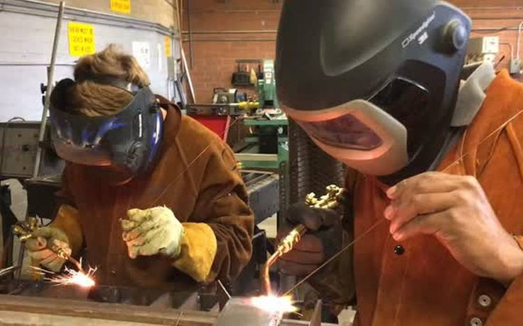Community colleges turn attention to job training    The Sacramento Bee