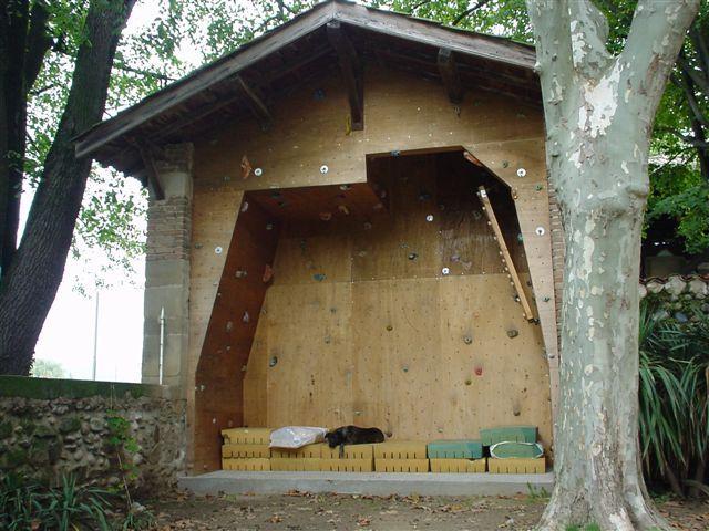 Connu Les 25 meilleures idées de la catégorie Mur d'escalade maison sur  EV38