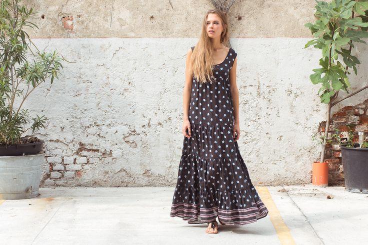 Janis Dress Flower Print, Washed Black. Ebe Sandals, Black.