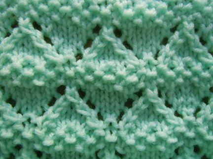 Moss Lace Diamonds knitting stitch