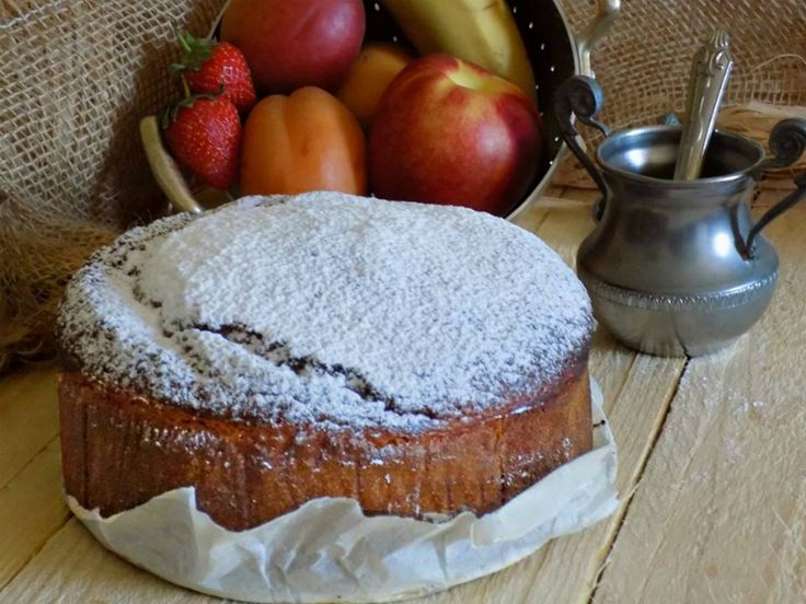 Torta macedonia con frutta frullata
