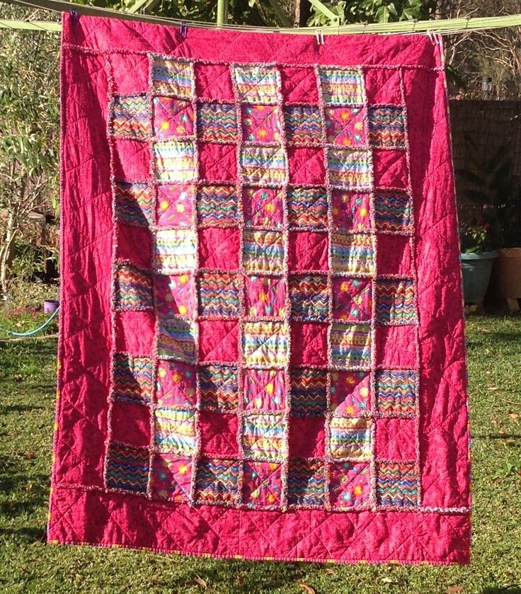 Bubblegum pink Gorgeous rag quilt Single bed