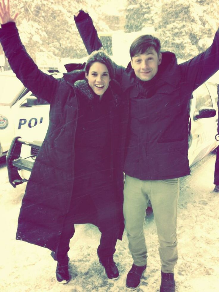 Missy Peregrym and Gregory Smith. ROOKIE BLUE.