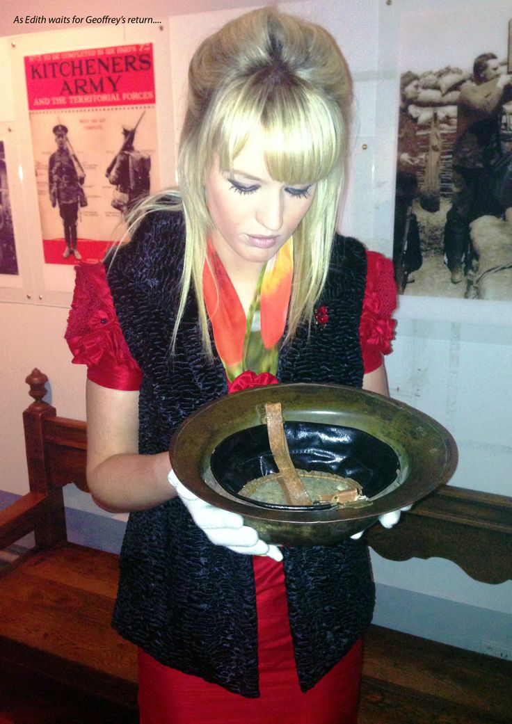 Photo shoot in the museum, my final outfit! Photograph showing a British soldiers helmet from the Great War.