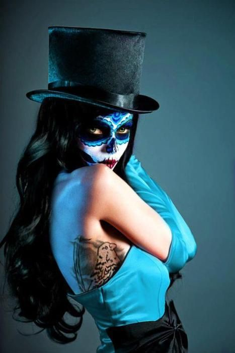 i usually dont like scary makeup for halloween but for some reason i love this…