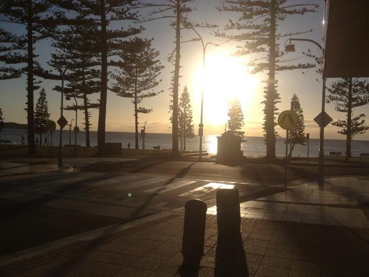 Dee-Why Beach - Saturday morning coffee Taken by Kelli (admin)
