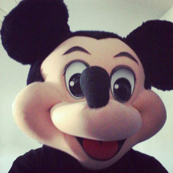 Mickey Mouse ya está colaborando con nosotros.