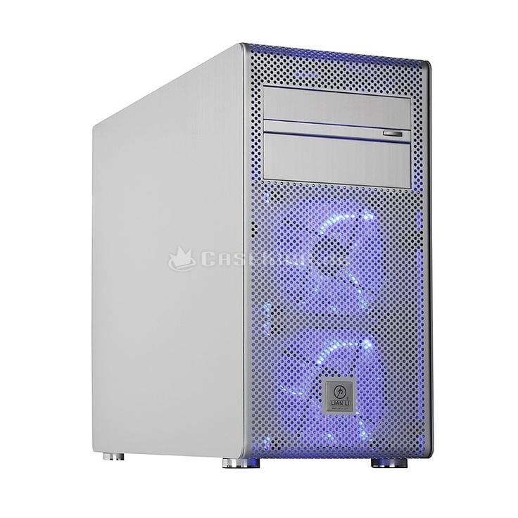 Lian Li PC-V600FA Midi-Tower in silber. Die grundlegende Konstruktion weist diverse Parallelen zum PC-V354 auf. Beide sind auf Micro-ATX-Mainboards oder kleinere Platinen (Mini-ITX) beschränkt, um kompakte Außenmaße zu ermöglichen. Im Gegensatz zum V354 ist der V600F jedoch höher und schmaler gebaut. Das Design entlehnt der PC-V600F damit nicht den Cubes sondern dem PC-V1020 Tower.