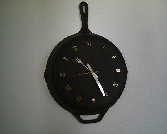 12 Recycled Cast Iron Fry Pan Clock Craft Ideas