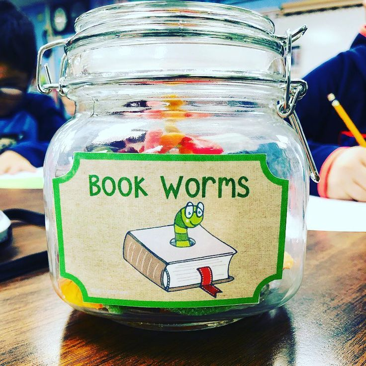 """I started something new in my classroom! When students finish a book and get 100% on their AR test, they get to come pick a """"book worm""""! They absolutely love it and it has been a good helper to up our reading stamina! 👏🏻📚 #welovetoreadinsecondgrade #gummywormsforthewin #iteachtoo #secondgraderocks #teachersfollowteachers #teachersofinstagram"""