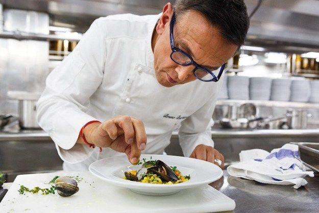 Crazy Cruises barbieri_cooking_1 Bruno Barbieri, 7 stelle Michelin, firma il nuovo menù di Costa Crociere Costa Crociere con Bruno Barbieri costa crociere Chef Barbieri Bruno Barbieri firma il nuovo menù di Costa Crociere Bruno Barbieri 7 stelle Michelin