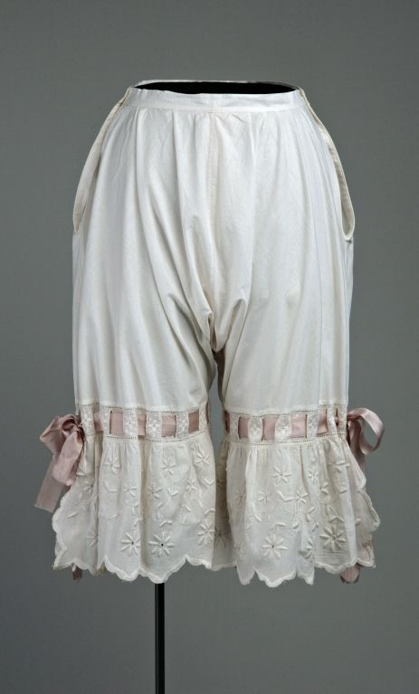 Ladies Bloomers (1900): Bloomers were baggy underpants for women, usually made of cotton,which gathered at the waist and below at the knees.