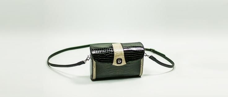 ARMIDA      Elegant bag, front closure and shoulder belt