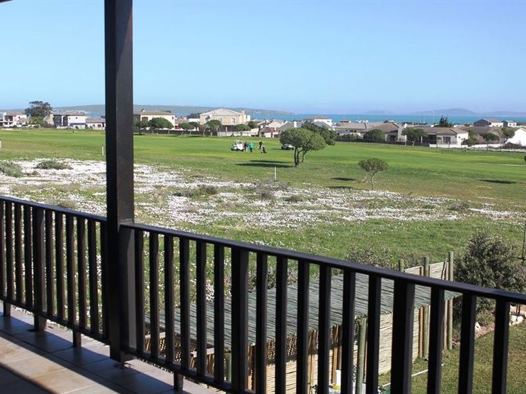 Golfer's Retreat Self-catering - Golfer's Retreat SC is located in the Langebaan Country Estate with its popular Gary Player Designer Golf Course. This lovely 1 bedroomed unit is extremely spacious and comfortable with quality furniture. ... #weekendgetaways #langebaan #southafrica