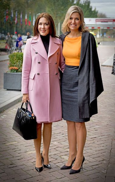 ♥•✿•QueenMaxima•✿•♥... November 4, 2015.... Maxima and Crown Princess Mary visit The Hague