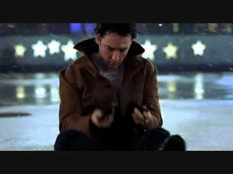 """""""Sembrava che tutto l'universo girasse con l'unico scopo di unirci…"""" Serendipity - Quando l'amore è magia (Serendipity) - 2001 diretto da Peter Chelsom."""