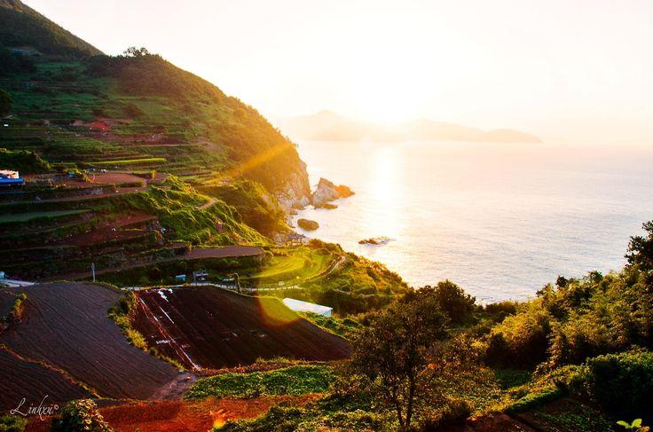 Namhae (Daraengi Village), Korea's treasure island in the morning light