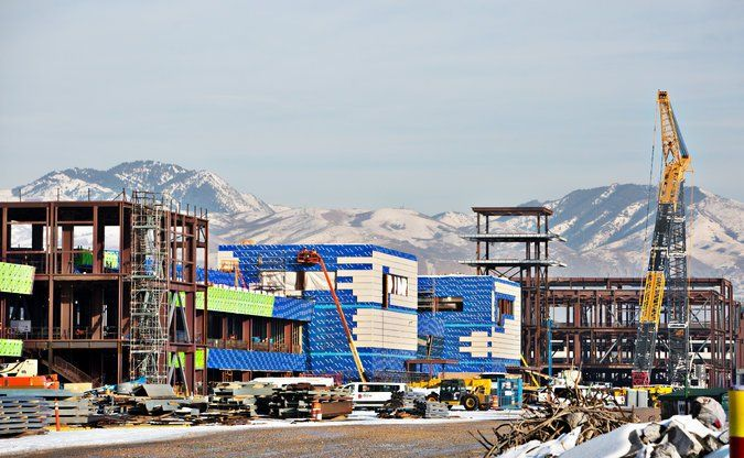 Building a Modern Airport in Salt Lake City From One Well Past Its Prime - The New York Times