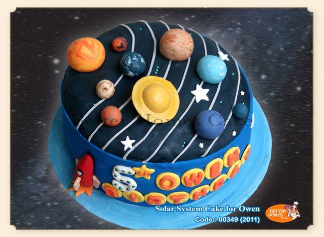 http://www.betterhomes-cake.com/products/bday_SolarSystemOwen.jpg