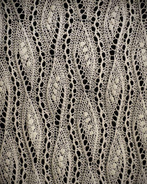 patternbase:    Estonia knitted lace via lacebuttons.com @Af's 16/4/13