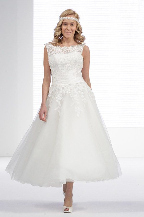 Dress pictures from The National Wedding Show 2014 - Justin Alexander at London Bride